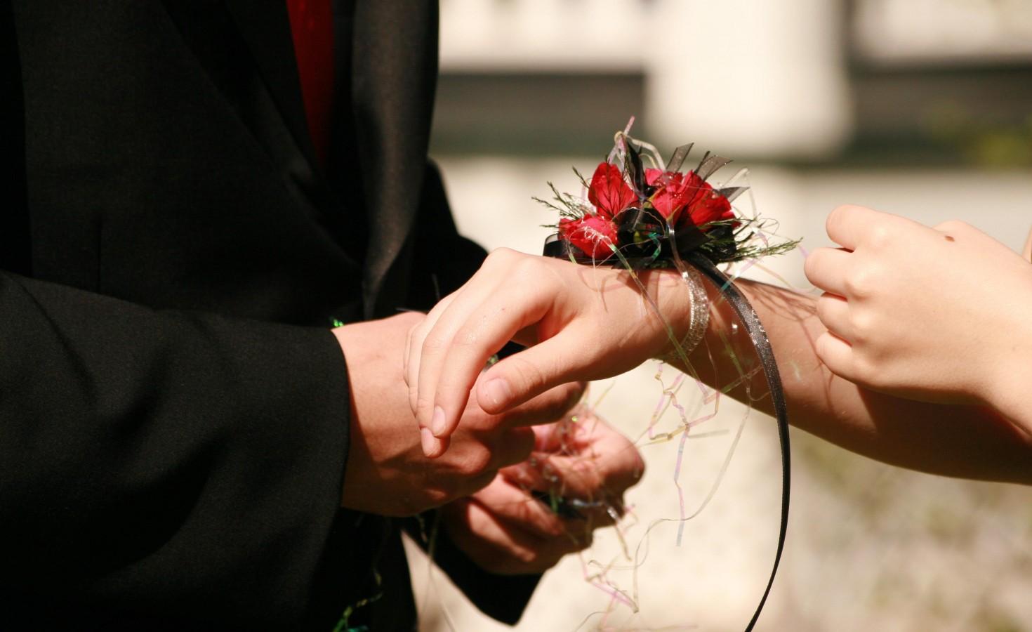 Popular Prom Flowers 2014